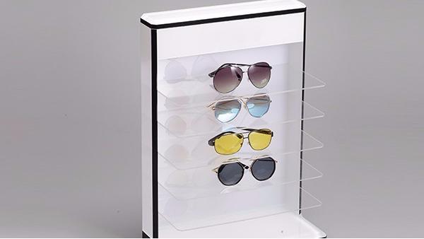影响亚克力眼镜展示架使用寿命的主要原因是那些?
