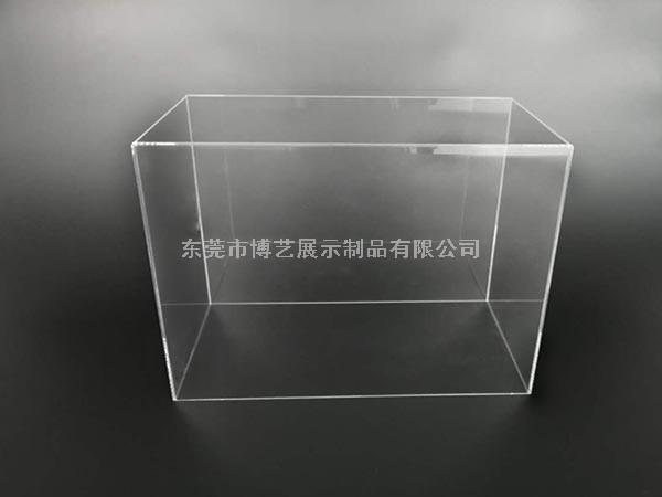 一个亚克力鱼缸它比普通玻璃鱼缸有着什么样的优势呢?
