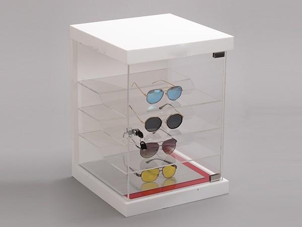 白色眼镜展示架