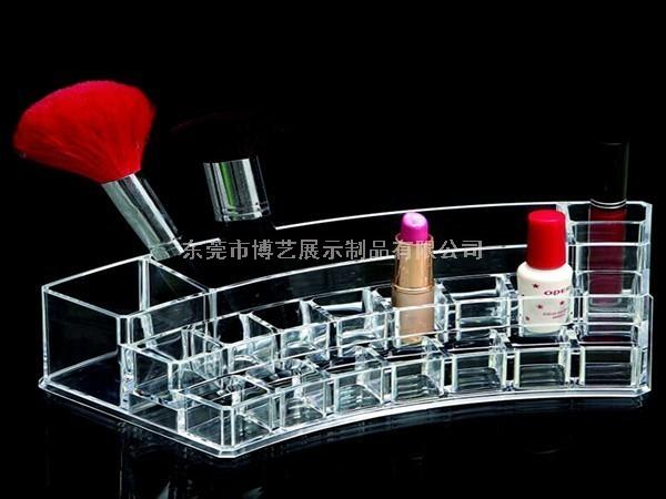 如何设计亚克力化妆品展示柜醒目呢