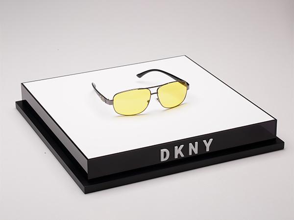 DKNY眼镜展架